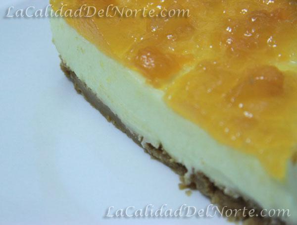 Pastel de queso con mermelada